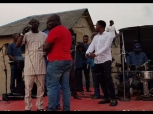 Video: Taye Currency Calls Out Muri Thunder To Entertain Guest At The Opening Of Muka Ray